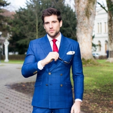 Outfit: JUCAN tailor-made