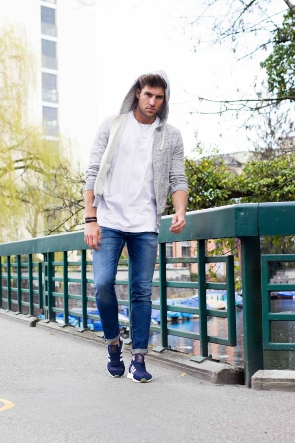 Shoes: Adidas Originals